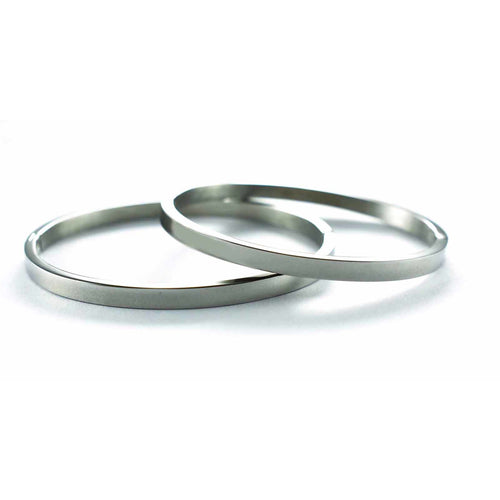 Plain stainless steel couple bangle