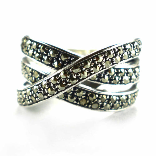 Ribbon silver ring with small marcasite