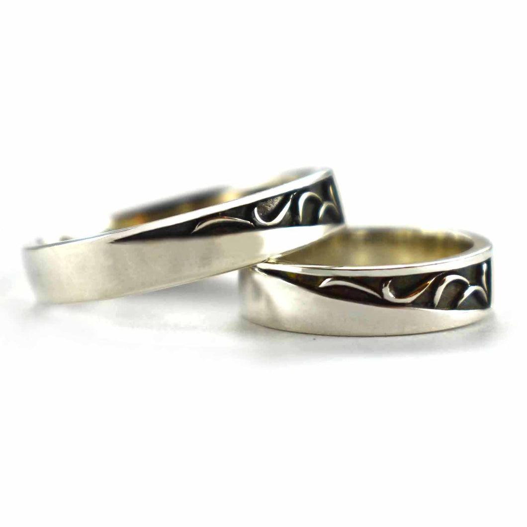 Seagrass pattern couple ring with silver oxidized