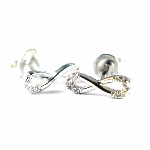 Stud silver earring with bow shape & platinum plating