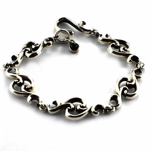 Thorns pattern with onxy stone silver bracelet