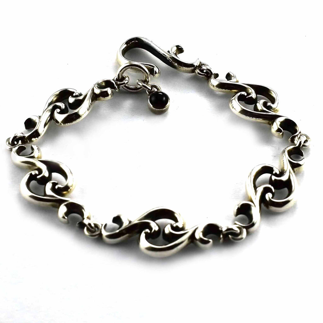 Thorns pattern with onyx stone silver bracelet