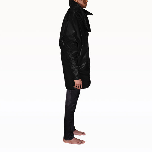Right profile of Black Puffer Rob Coat