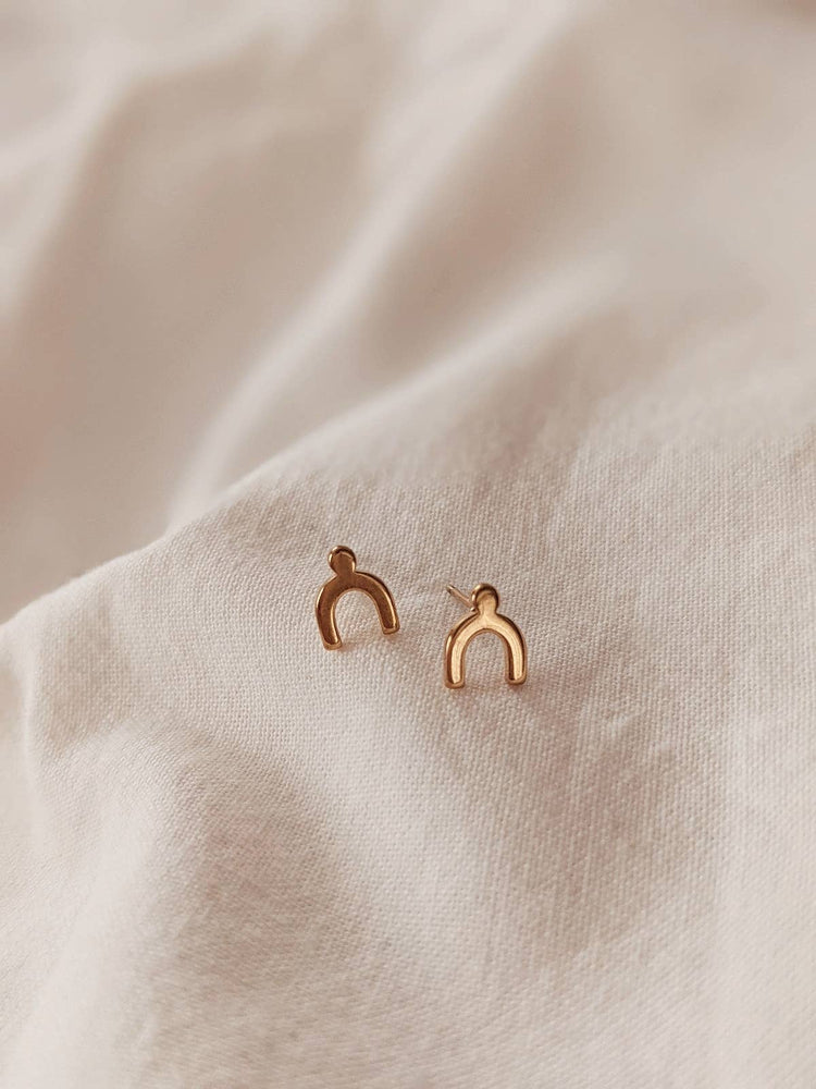 Arche Stud Earrings
