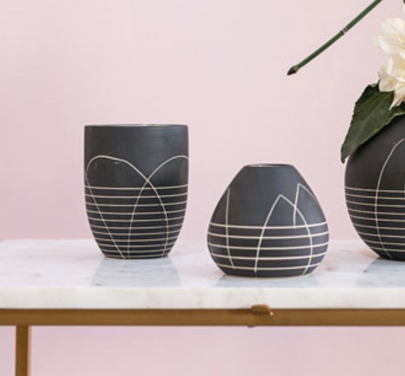 Load image into Gallery viewer, Everlane Vase
