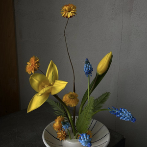 Load image into Gallery viewer, Locally Made Ceramic Flower Dish
