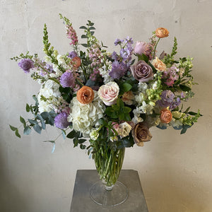 Load image into Gallery viewer, Carden Vase Arrangement