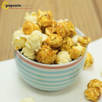 Small Bag (16 Cups Or 8 Servings) White Cheddar & Caramel Mixed Popcorn