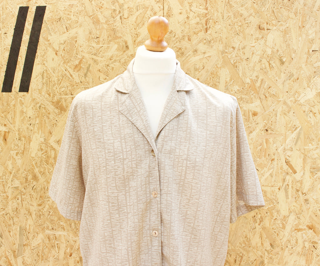 Vintage Short Sleeved Button Down Patterned Shirt - XL