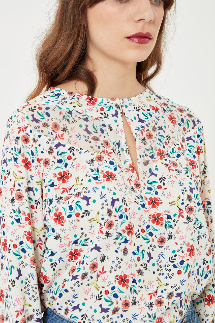 Long Sleeve Floral Blouse in white
