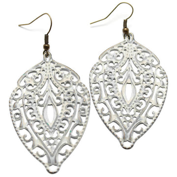 Lightweight Statement earrings - metal in white