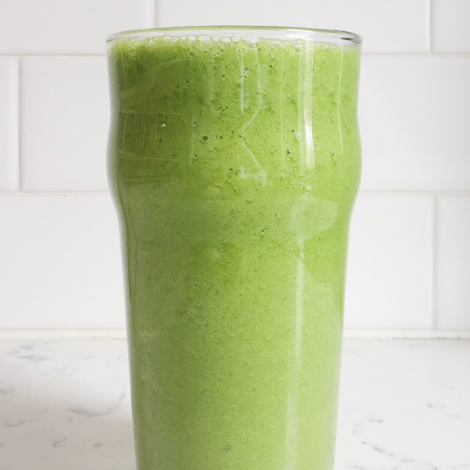 Baby Kale & Pineapple Smoothie