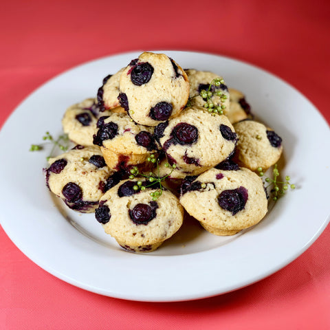 Blueberry muffins with cilantro berries