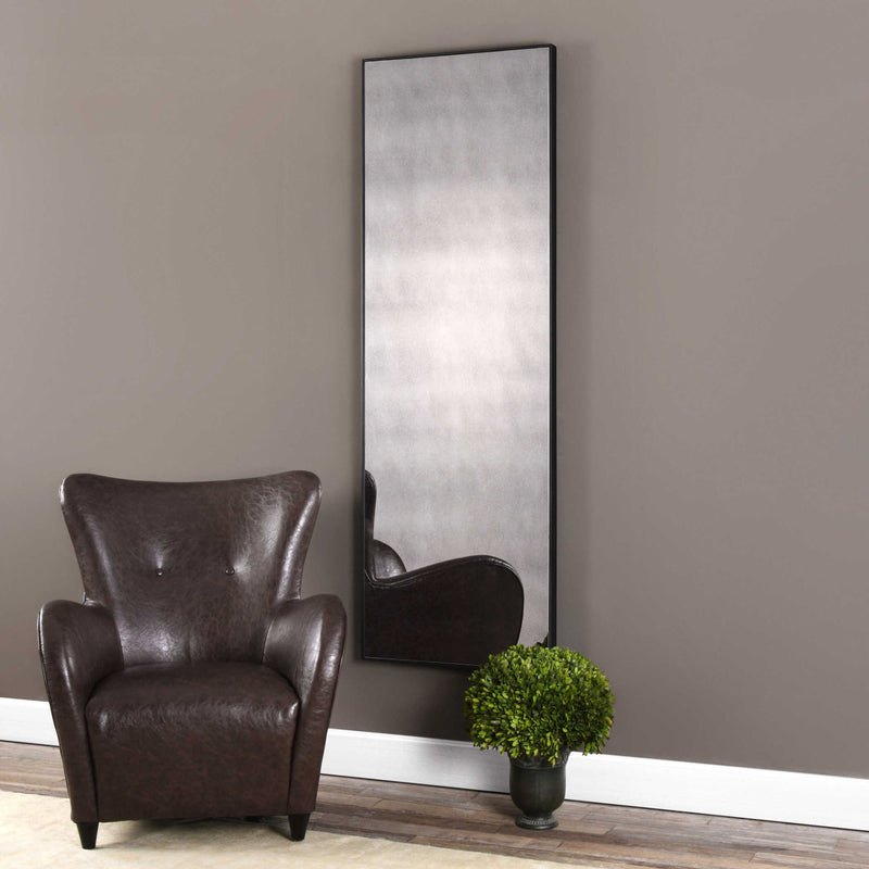 TALL DRESSING MIRROR