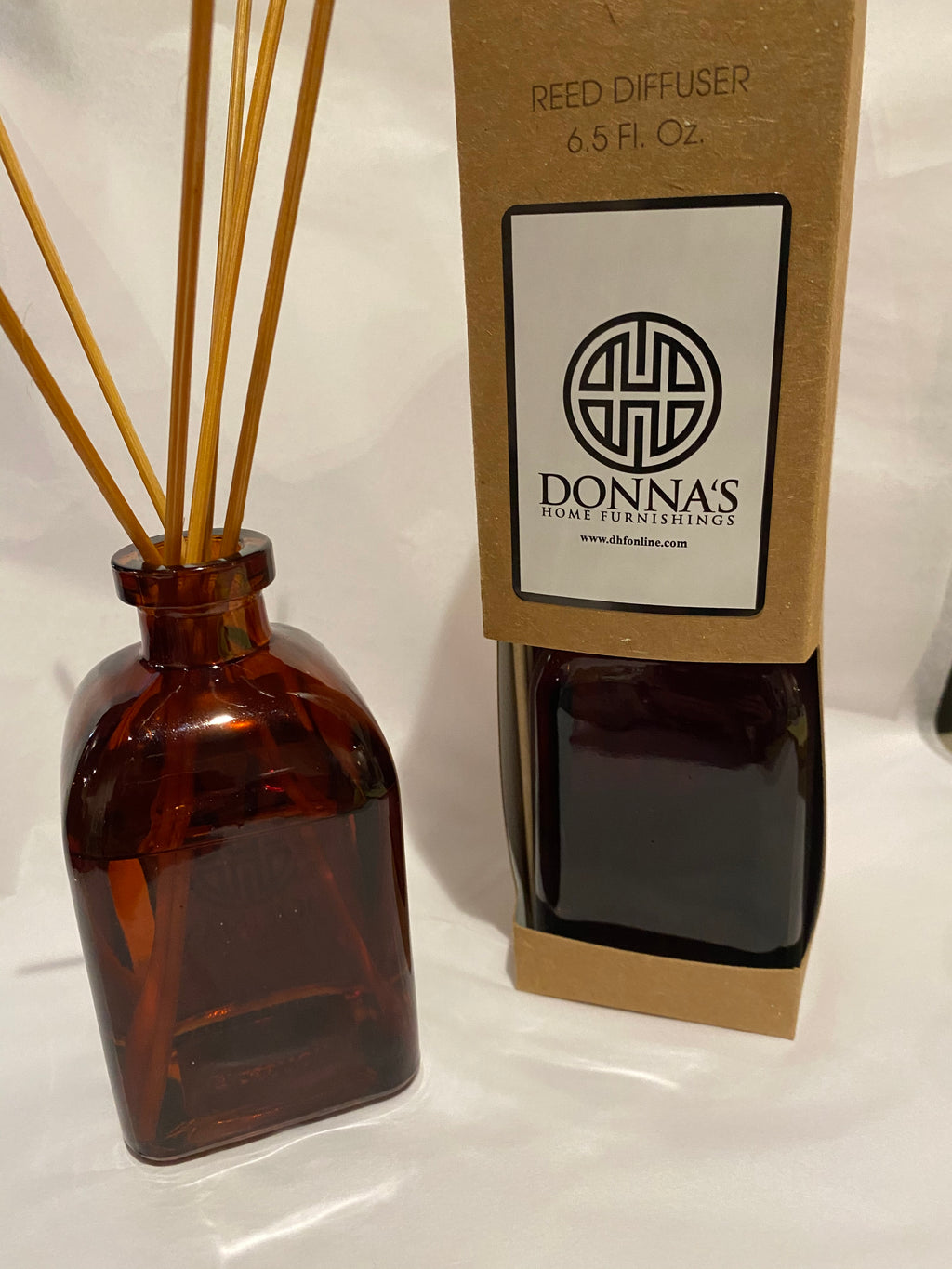 DIFFUSER DONNA'S SIGNATURE SCENT - Donna's Home Furnishings in Houston