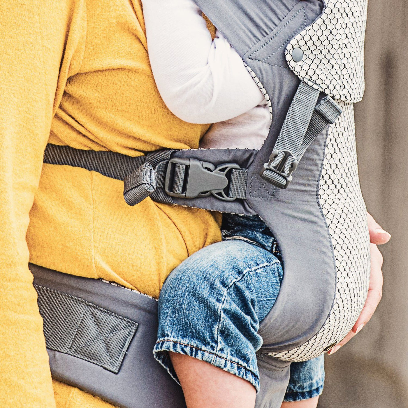 Beco Gemini Baby Carrier - best baby carrier for dads and petite moms.