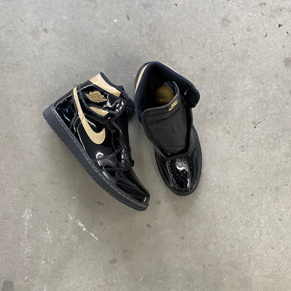 Air Jordan 1 Retro High Black Metallic Gold