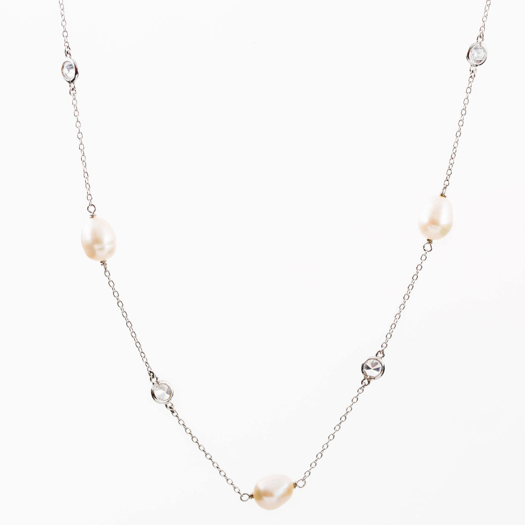 Sterling Silver necklace with Pearl and Cubic Zirconia