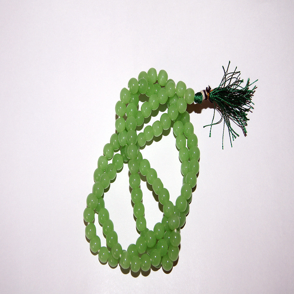 Fashionable and simple online wholesale price peace green jade mala originally from nepal.