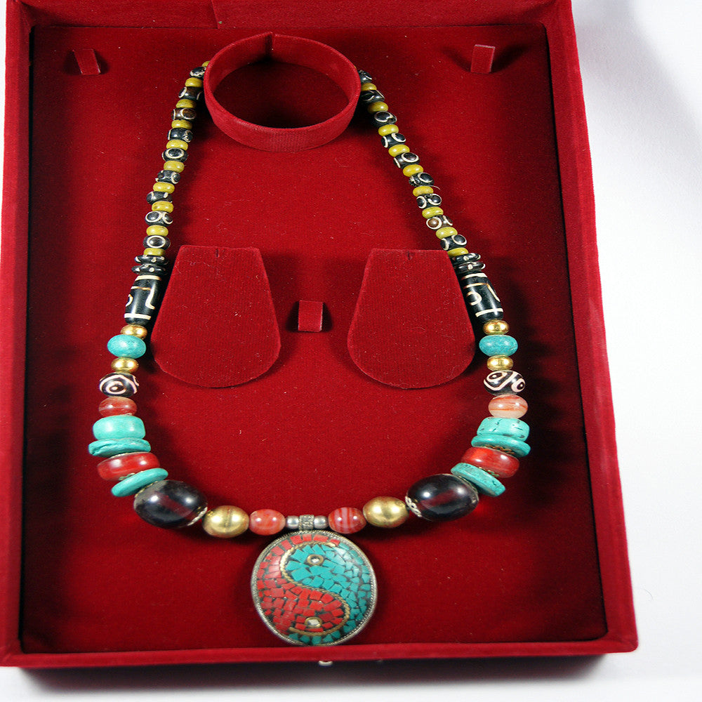 Traditional tibetan peace boxed necklace