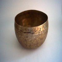 Eternal knot & mantra inscribed hand hammered buddhism simple beautiful Singing Bowl for sale.