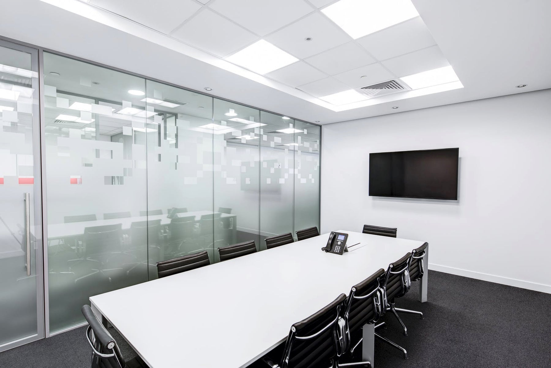 How LED Lights are Improving Work Place