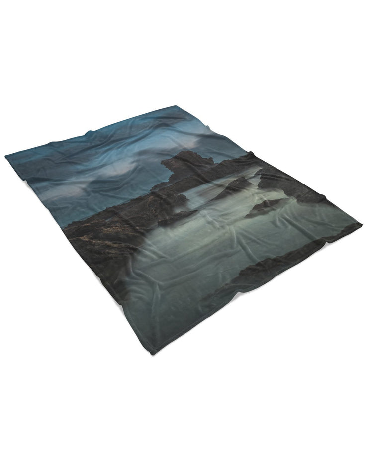 Arch Rock 4 Fluffy Micro Fleece Throw Blanket