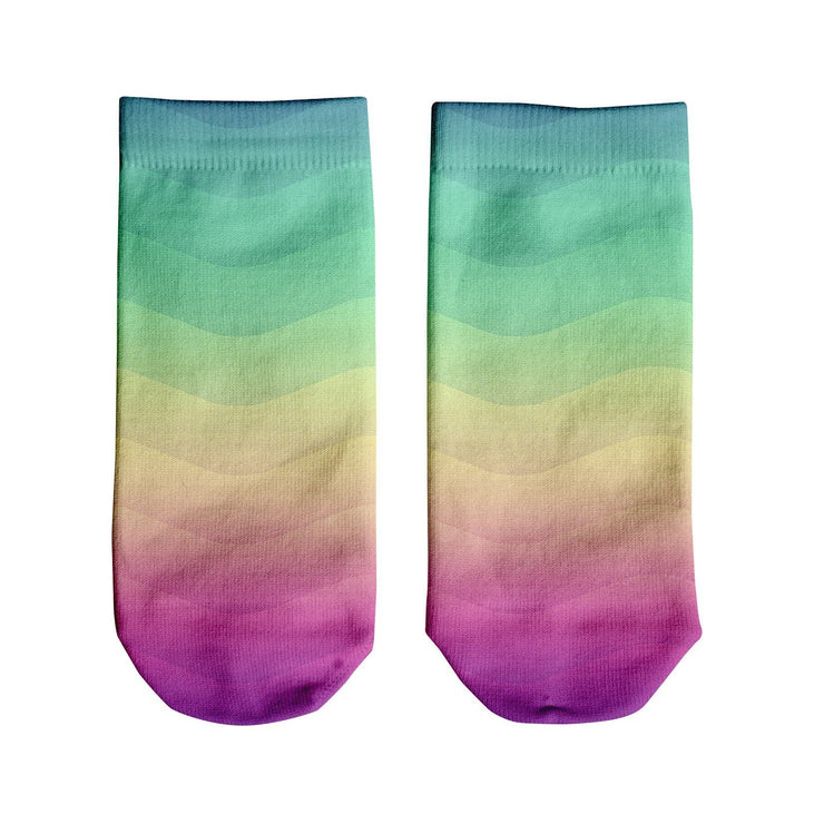 Rainbow Wave Ankle Socks