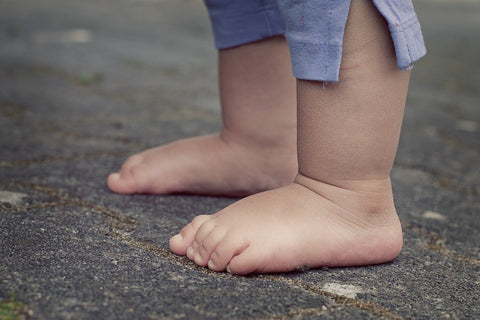 kids barefoot toes on ground