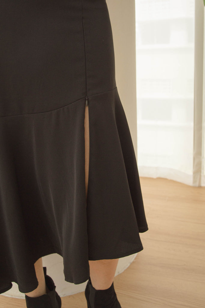 *Back Order* Go With The Flow Skirt in Black