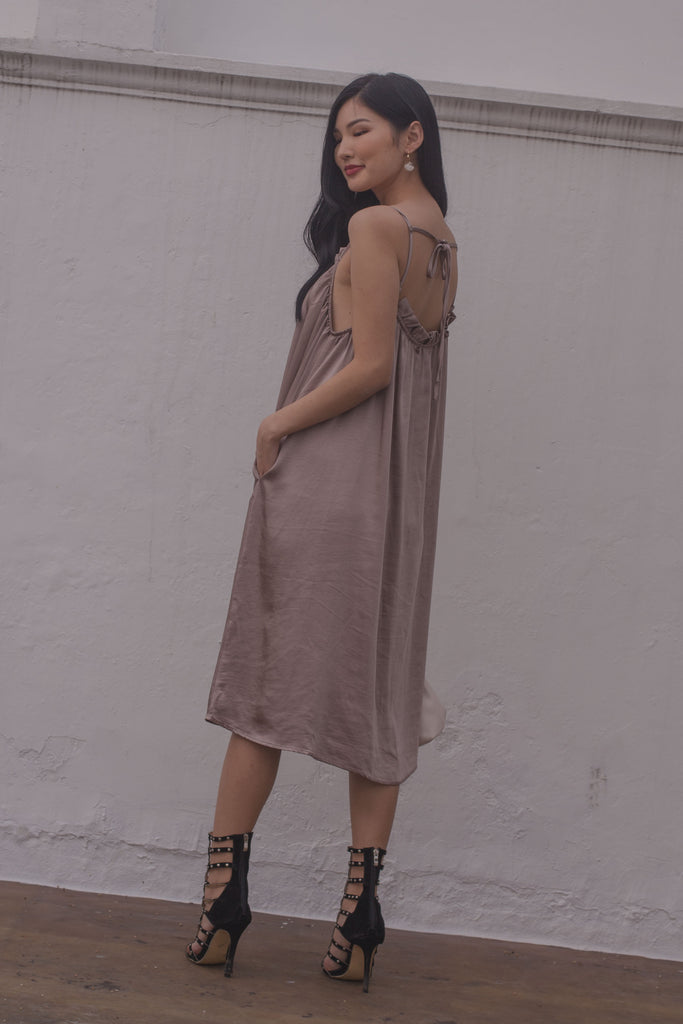 Sleeping Beauty Midi in Dark Taupe