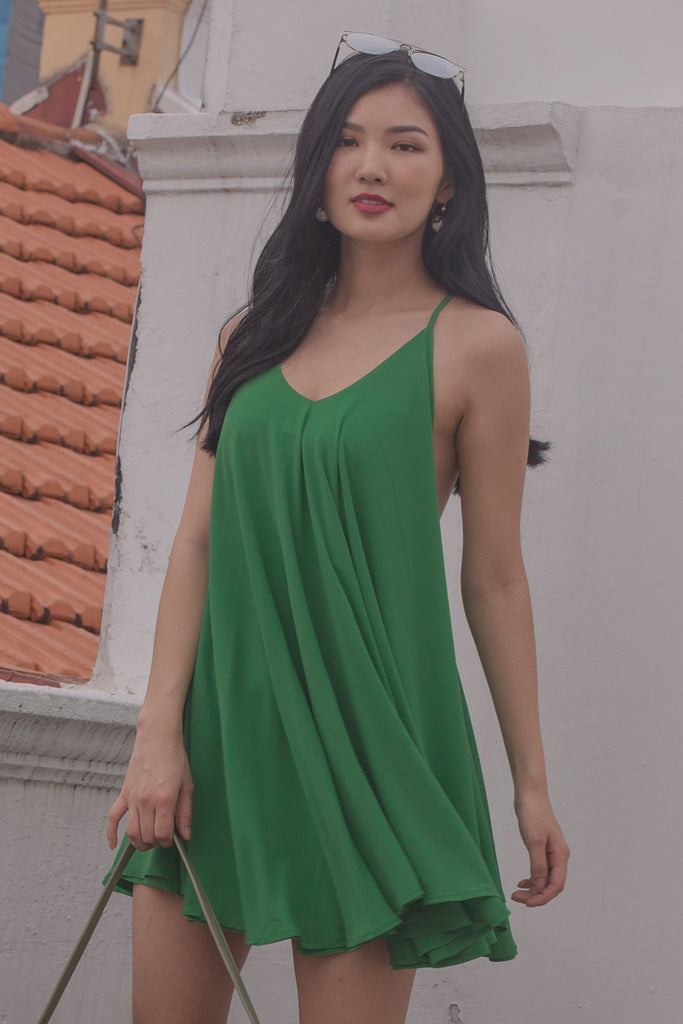 Teaser Dress in Kelly Green