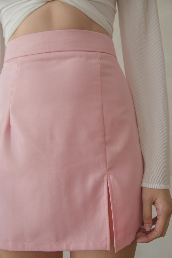 Divergence Skirt in Rose Shadow Pink