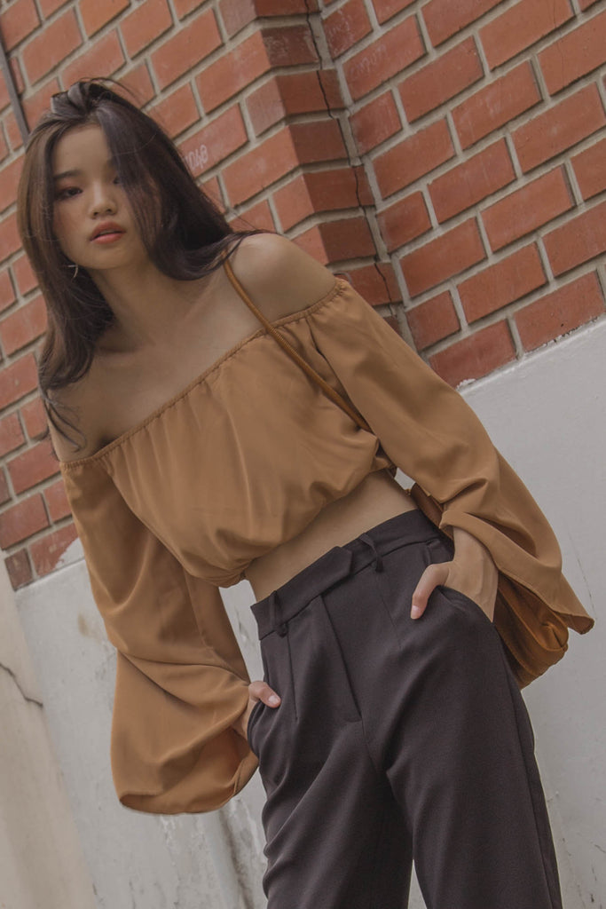 Off The Cuff Top in Almond Brown