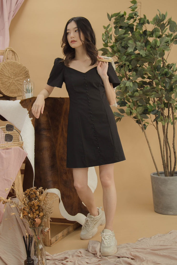Sweet Talk Dress in Black
