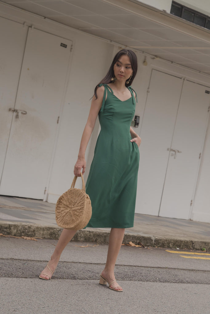 Tie The Knot Midi in Forest Green