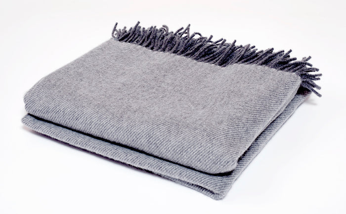 Cashmere Collection Throw in Smoke