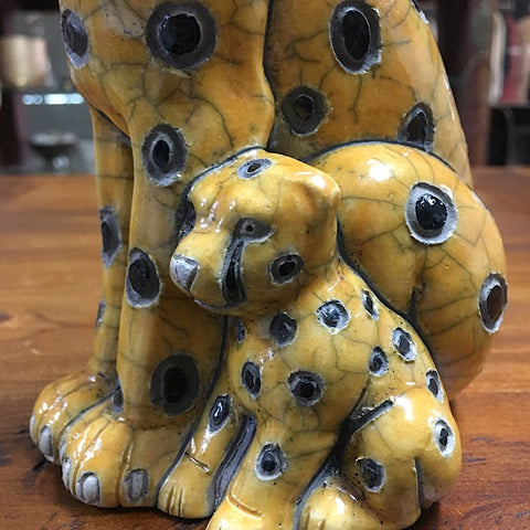 CERAMIC CHEETAH WITH CUB