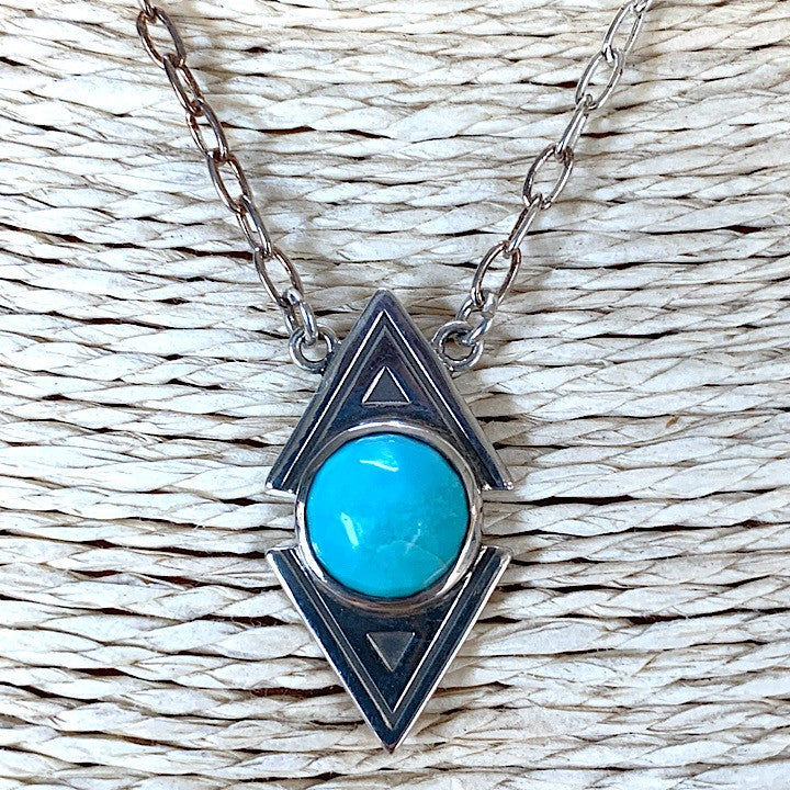 STERLING SILVER CHAIN NECKLACE FEATURING TURQUOISE