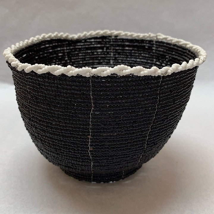 BLACK & WHITE SMALL WOVEN BOWLS