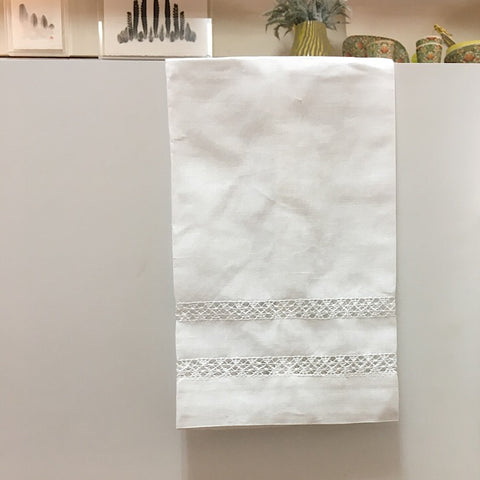 WHITE LINEN HAND TOWELS
