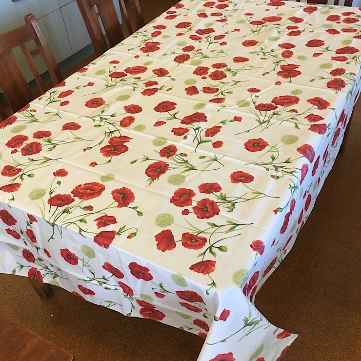TEFLON TREATED TABLECLOTH WITH POPPY PRINT