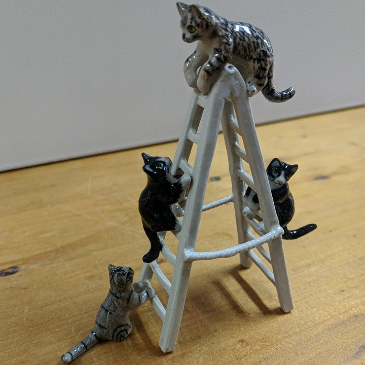 PORCELAIN TRINKETS 4 CATS ON A LADDER