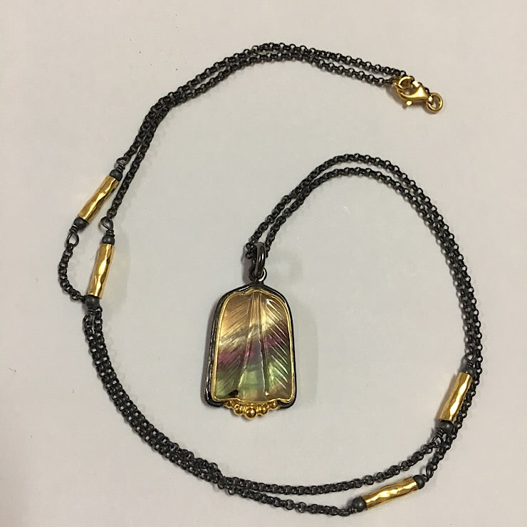 FLUORITE PENDANT ON FINE RHODIUM PLATED CHAIN