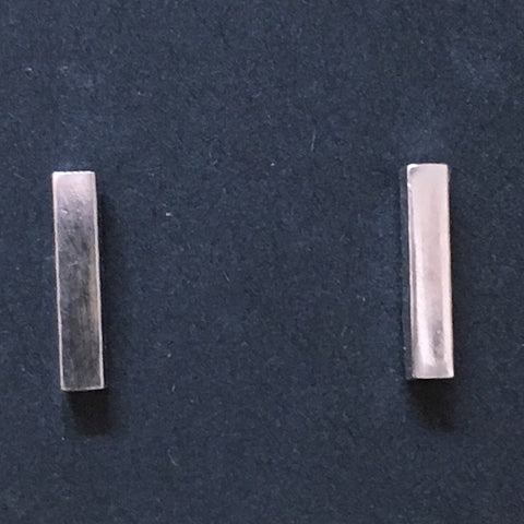 SINGLE BAR STUD EARRINGS