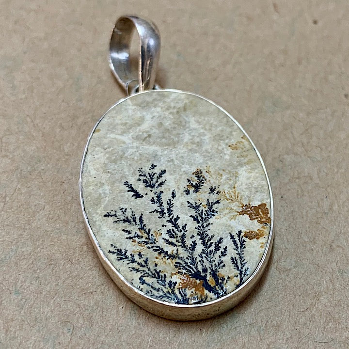 OVAL RUSSIAN DENDRITIC PICTURE PENDANT