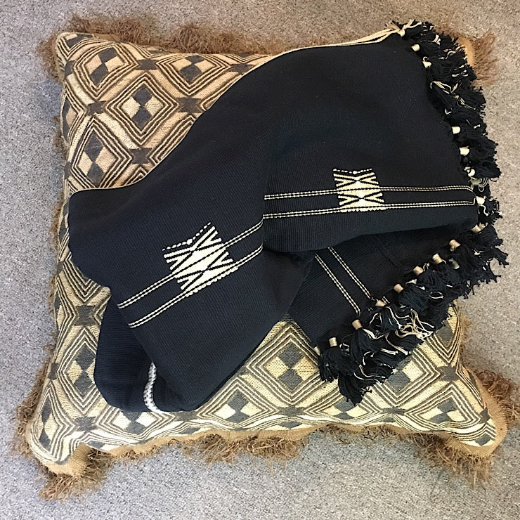 HANDLOOMED BLACK TRIBAL THROW