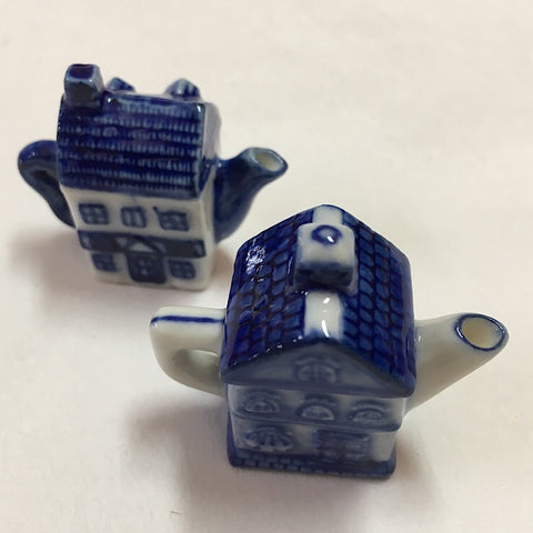 TINY TEAPOT BLUE AND WHITE CERAMIC TRINKET