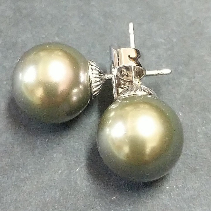 SPANISH PEARL STUD EARRINGS ASSORTED COLOURS