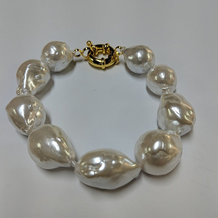 BAROQUE PEARLS BRACELET GOLD CLASP